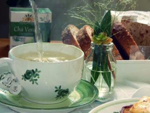 Café da manhã com Chá Verde Orgânico
