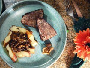 Cupim assado no orégano com cogumelos e queijo