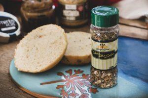 Receita: Pão de Hambúrguer com Cebola, Alho e Salsa